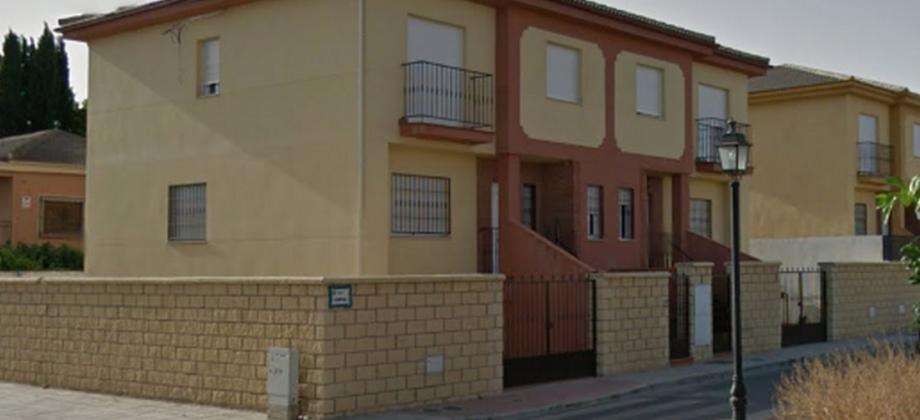 Chalet pareado en Belicena
